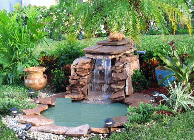 Benefits of having a pond in your garden bk glass house for Backyard pond animals