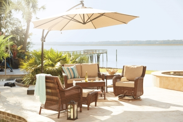Investing in wrought iron for outdoor patio furniture is for Inexpensive patio solutions